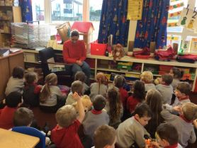 Primary 1 meet a Paramedic